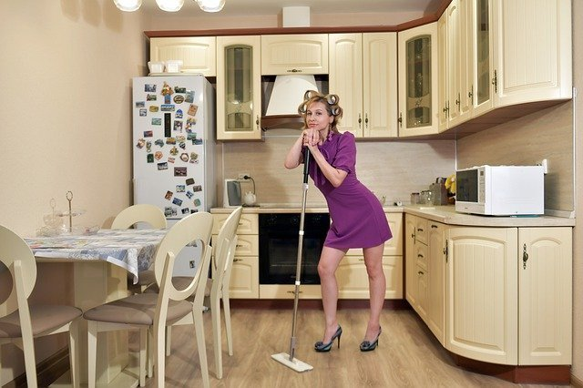 House cleaning for busy moms