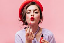 young-girl-red lipstick