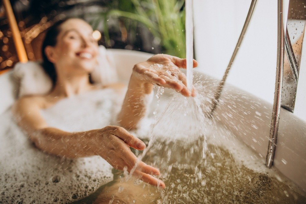 Bathing with essential oil